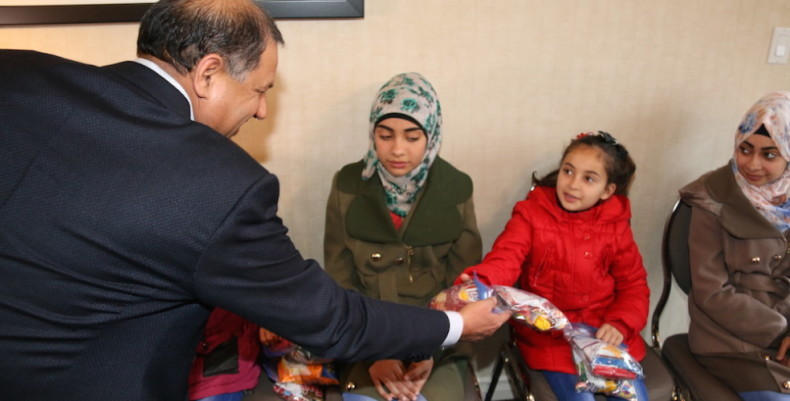 Surrey businessman donating groceries to 500 Syrian refugees